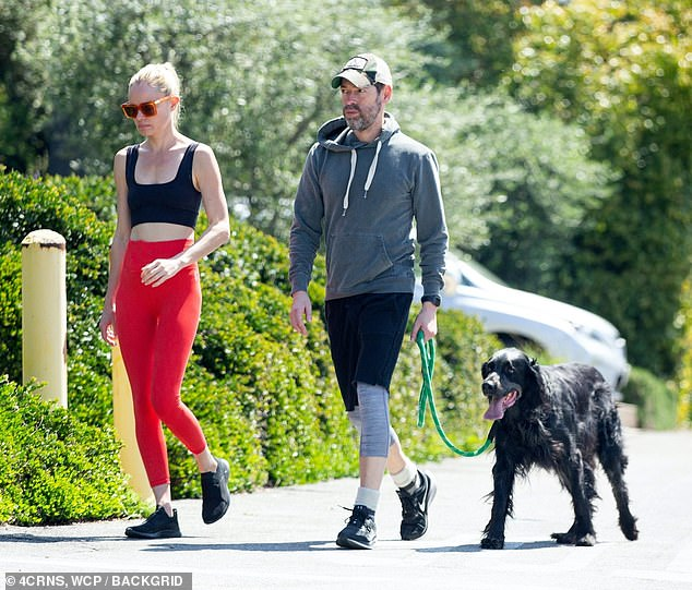 26704836-0-Fresh_air_Kate_Bosworth_and_Michael_Polish_took_a_walk_with_thei-m-16_1585791642824